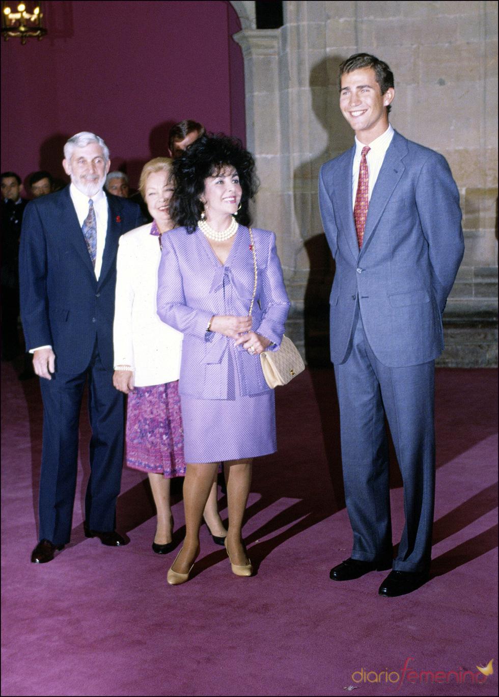Elisabeth Taylor y el Príncipe Felipe en 1992