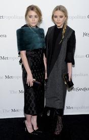 Las gemelas Ashley y Mary Kate Olsen en el Metropolitan de Nueva York