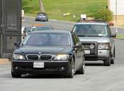 La familia de Liz Taylor llega al cementerio de Forest Lawn