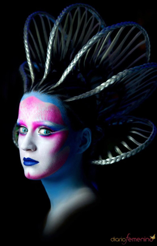 Katy Perry convertida en Alien para su single 'E.T.'