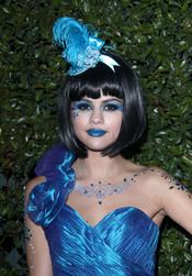 Primer plano de Selena Gomez en el cumpleaños de Perez Hilton