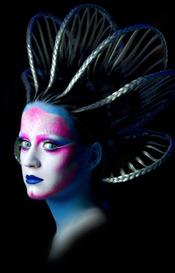 Katy Perry presenta fotografías de su último videoclip, 'E.T.'
