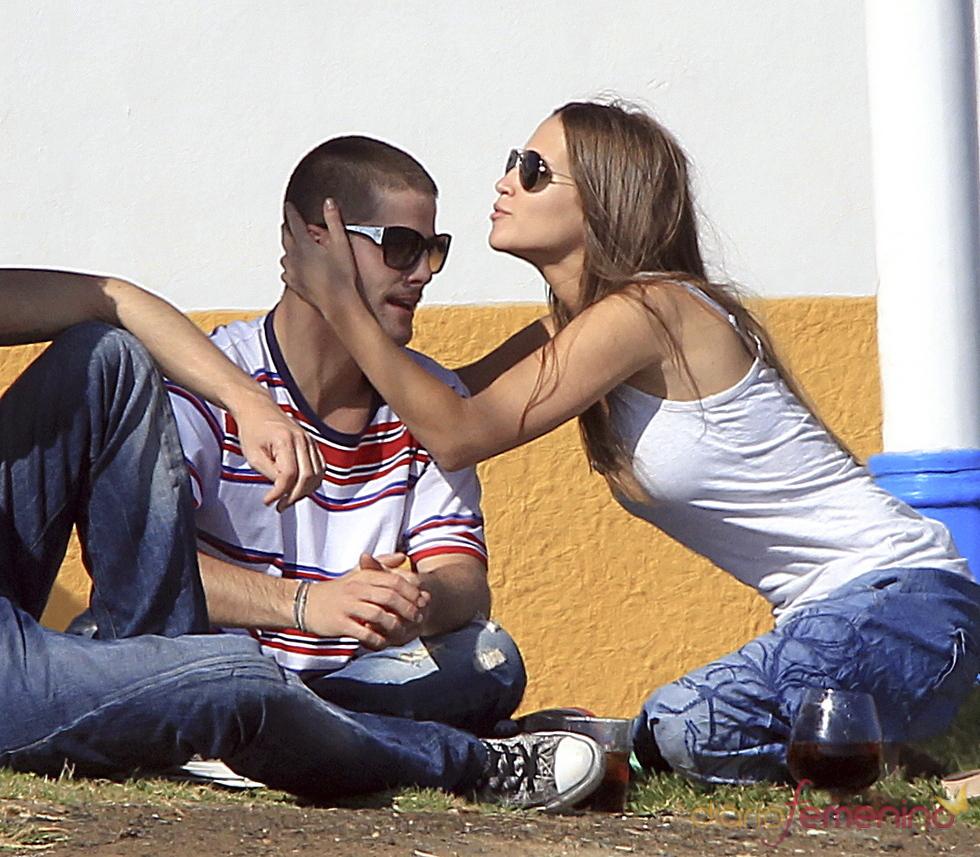 Ana Fernández muy cariñosa con Luis Fernández