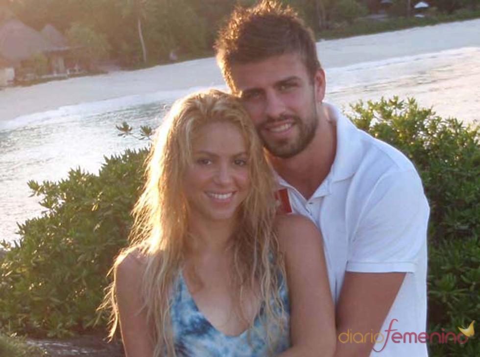 Gerard Piqué abraza con ternura a Shakira