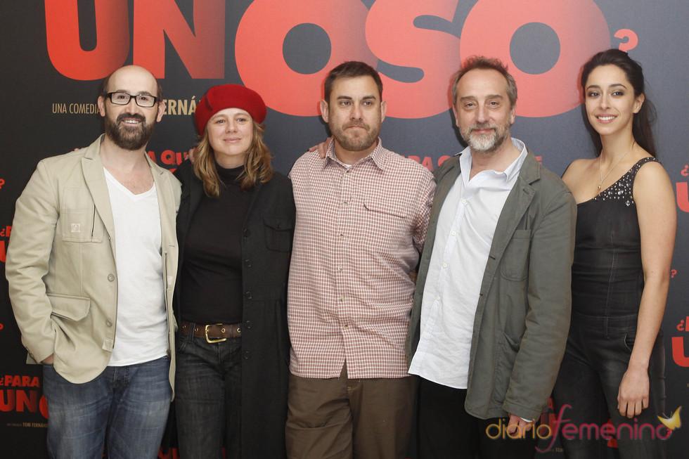 Javier Cámara, Emma Suárez, Tom Fernández, Gonzalo de Castro y Oona Chaplin en '¿Para qué sirve un oso'?