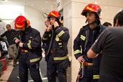 Hugo Silva es el bombero Alex en 'Lo contrario al amor'