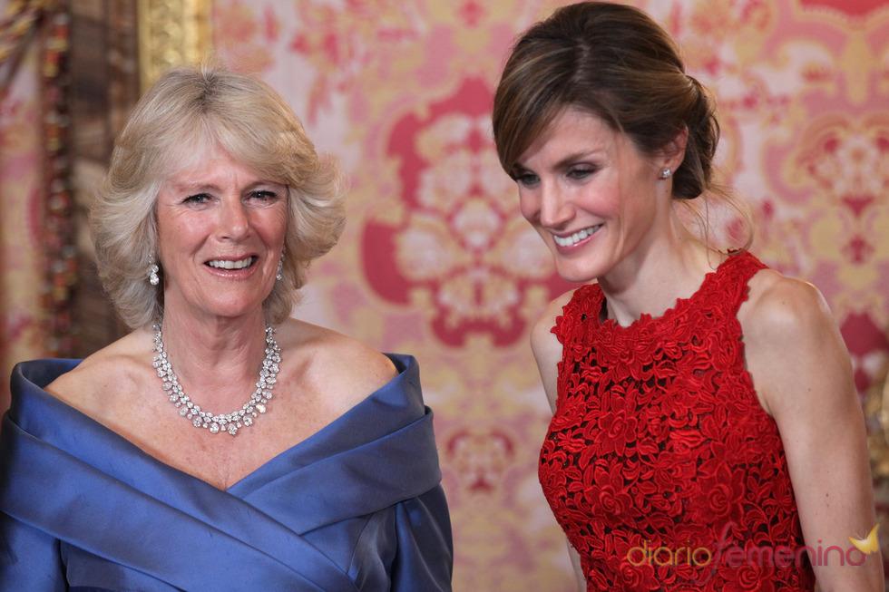 La Princesa de Asturias y la Duquesa de Cornualles, muy cómplices