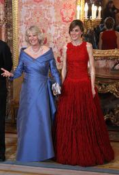 La elegancia de la Princesa Letizia y Camilla en la cena de gala