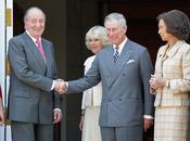 El Rey saluda al Príncipe de Gales en el Palacio de la Zarzuela