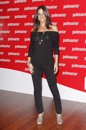 Celicia Gómez posa a su llegada a la fiesta 'Pullmantur'