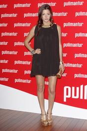 Malena Costa posa a su llegada a la fiesta 'Pullmantur'