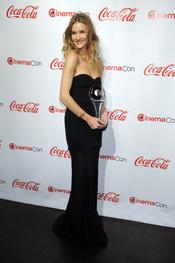 Rosie Huntington-Whiteley, premiada en el Festival CinemaCon