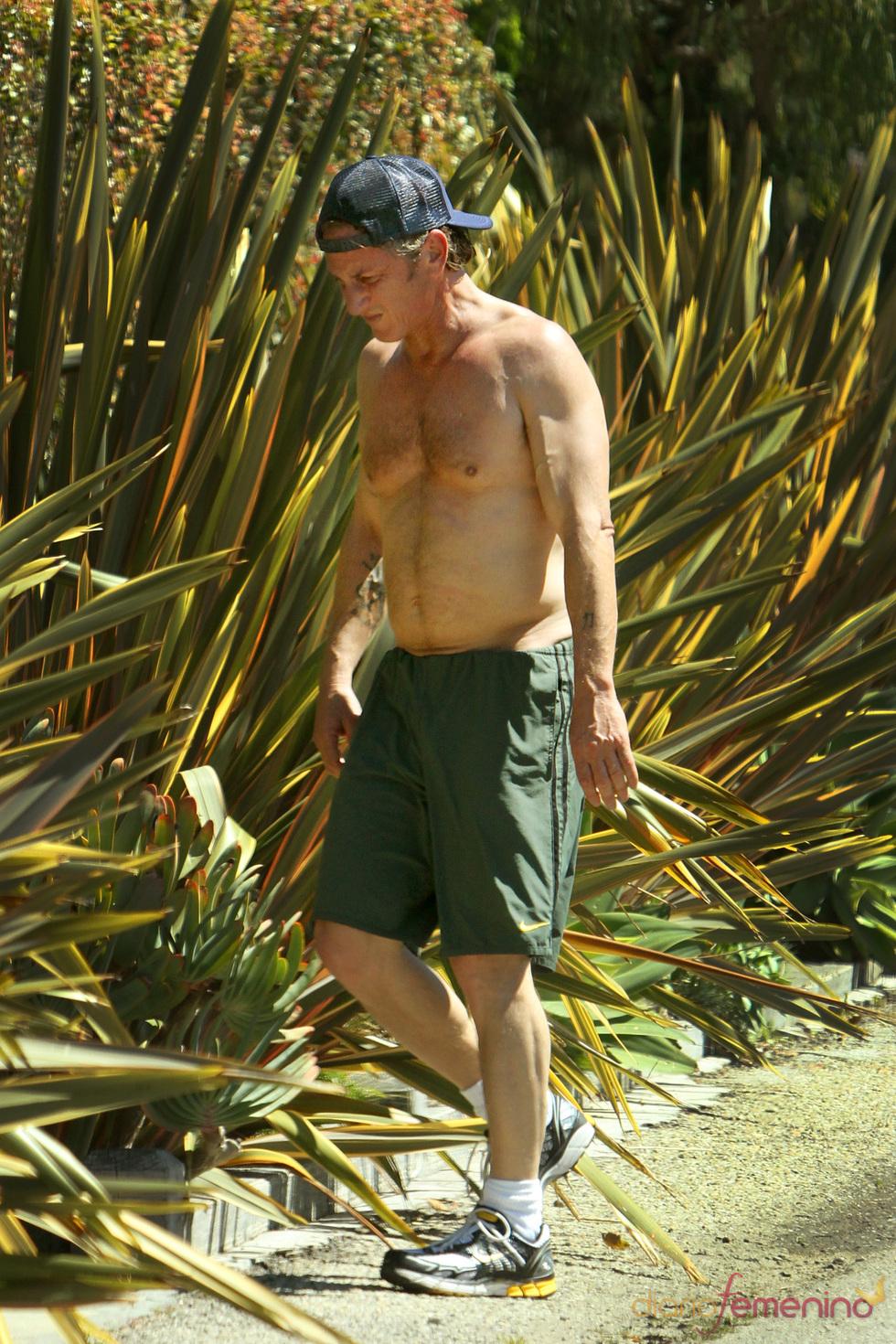 Sean Penn se prepara para el verano