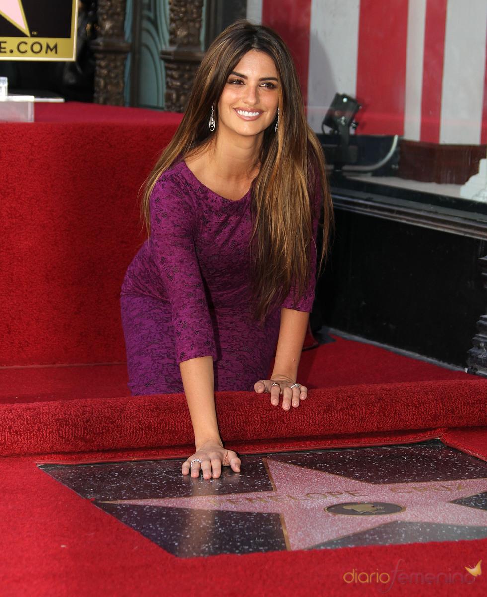 Penélope Cruz , feliz con su estrella