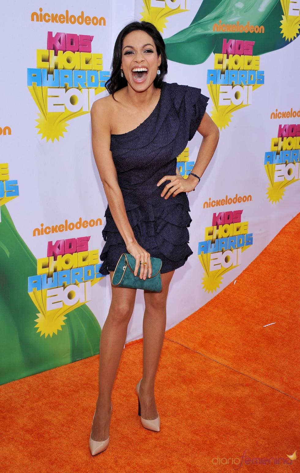 Rosario Dawson en la alfombra roja de los Kids' Choice Awards