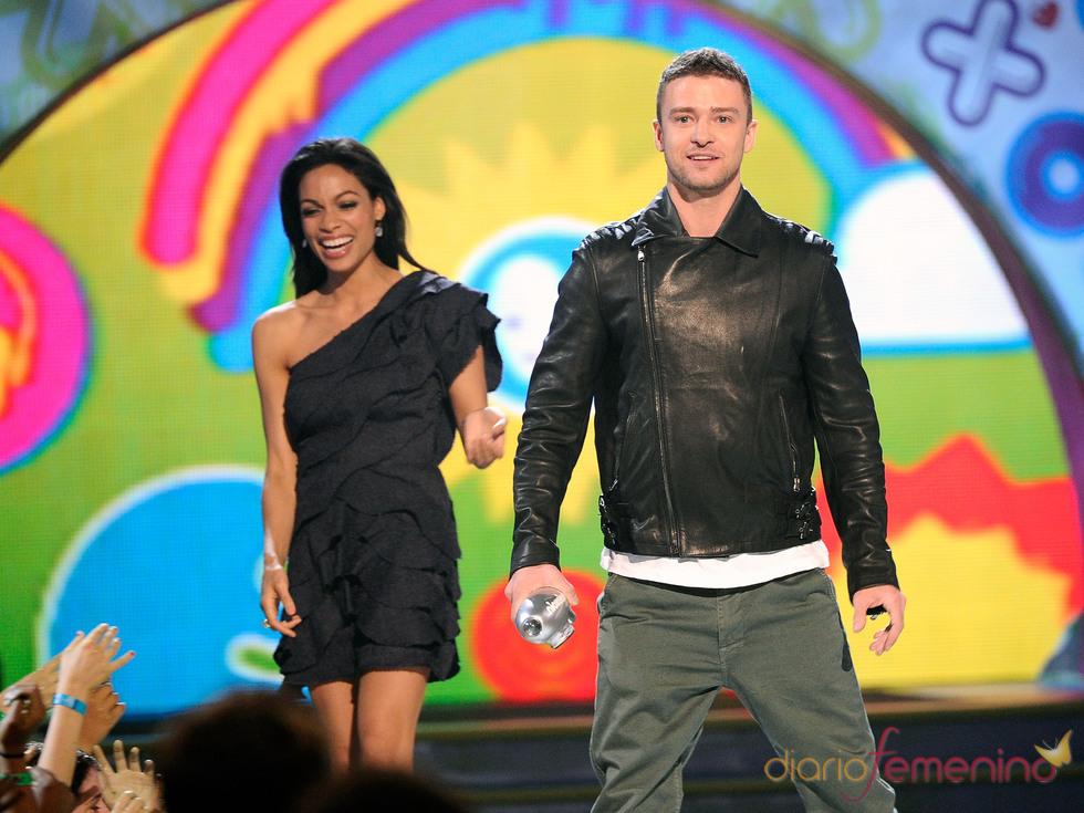 Justin Timberlake y Rosario Dawson en la gala de los Kids' Choice Awards