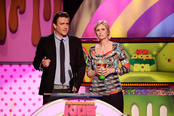 Jason Segel y Jane Lynch en la gala de los Kids' Choice Awards