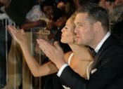 Michael Bublé y Luisana Lopilato saludan a sus fans en su boda religiosa