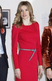 Letizia Ortiz, de rojo durante la inauguración de la 30 edición de ARCO