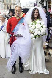 Los dobles de Guillermo de Inglaterra y Kate Middleton fingen su boda