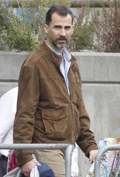 El Príncipe Felipe en el zoo de Madrid