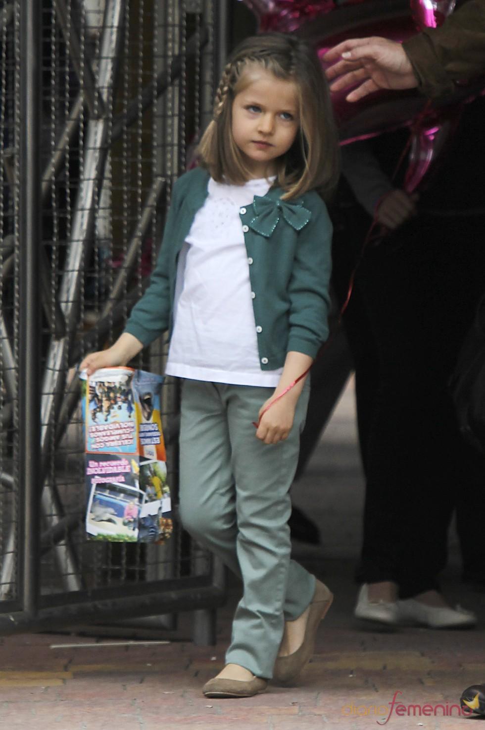 La Infanta Leonor durante su visita al zoo de Madrid