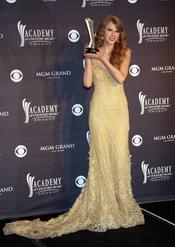 Taylor Swift, 'Artista del Año' en los Premios de la Academia de Country 2011