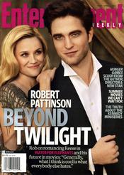 Robert Pattinson y Reese Witherspoon en la portada de 'Entertaiment Weekly'