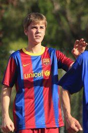 Justin Bieber observa una jugada durante su partido de fútbol en Madrid
