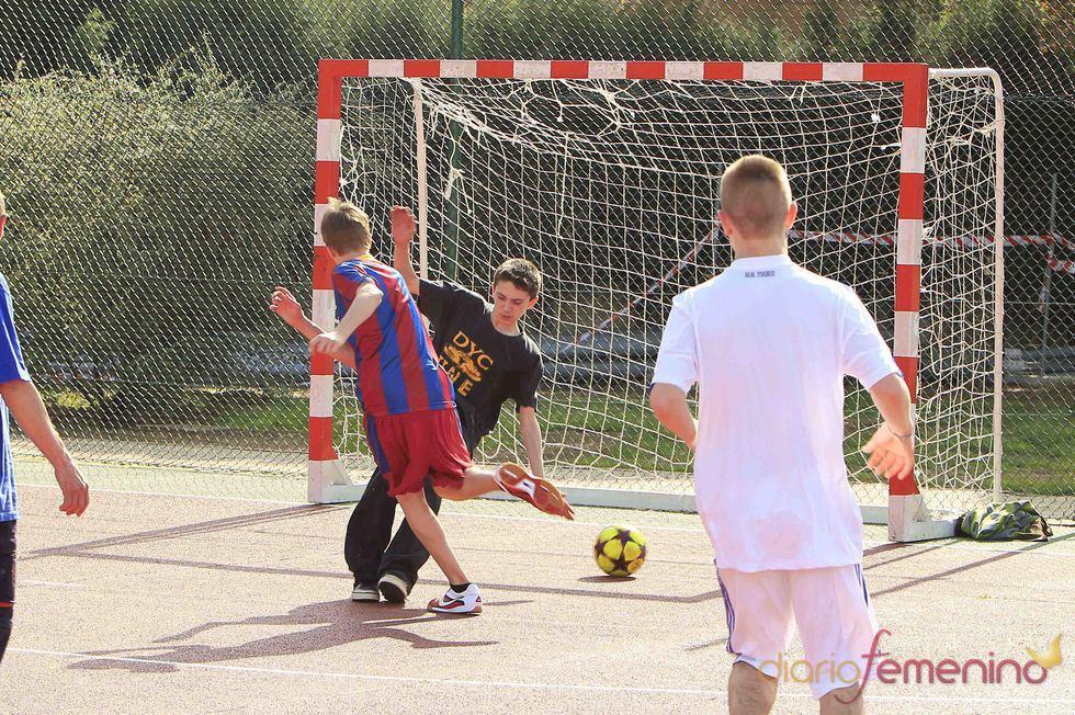 El gol de Justin Bieber durante su partido de fútbol en Madrid