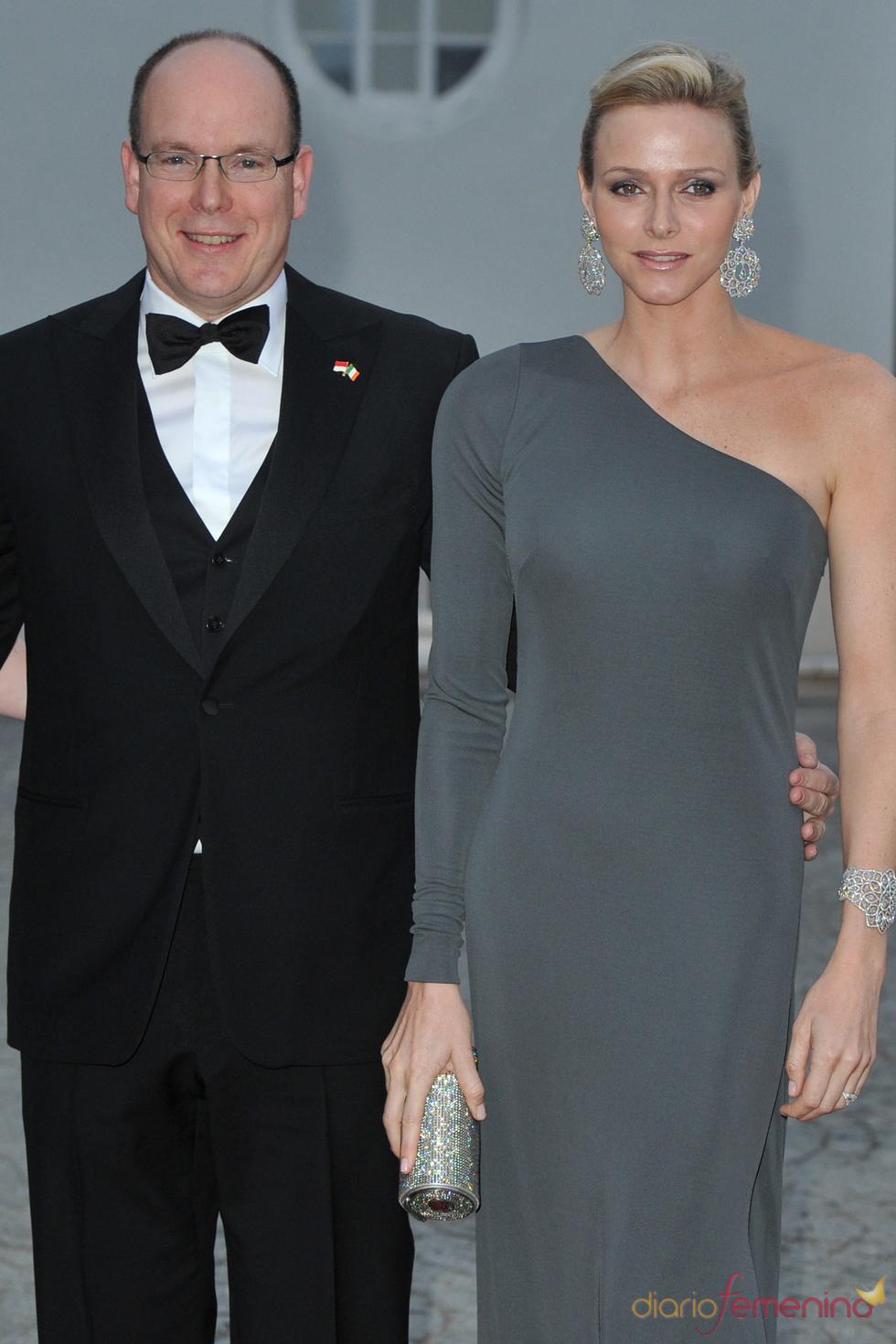 Alberto de Mónaco y Charlene Wittstock durante su visita oficial a Irlanda