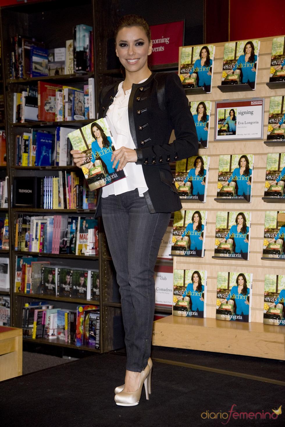 Eva Longoria presenta su libro de cocina en Nueva York