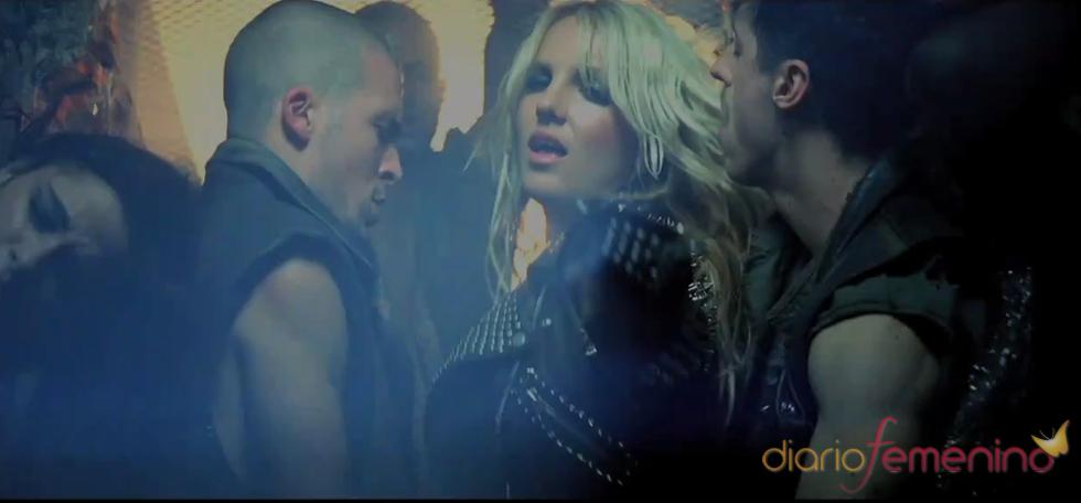 Britney Spears, rodeada de hombres en su nuevo videoclip