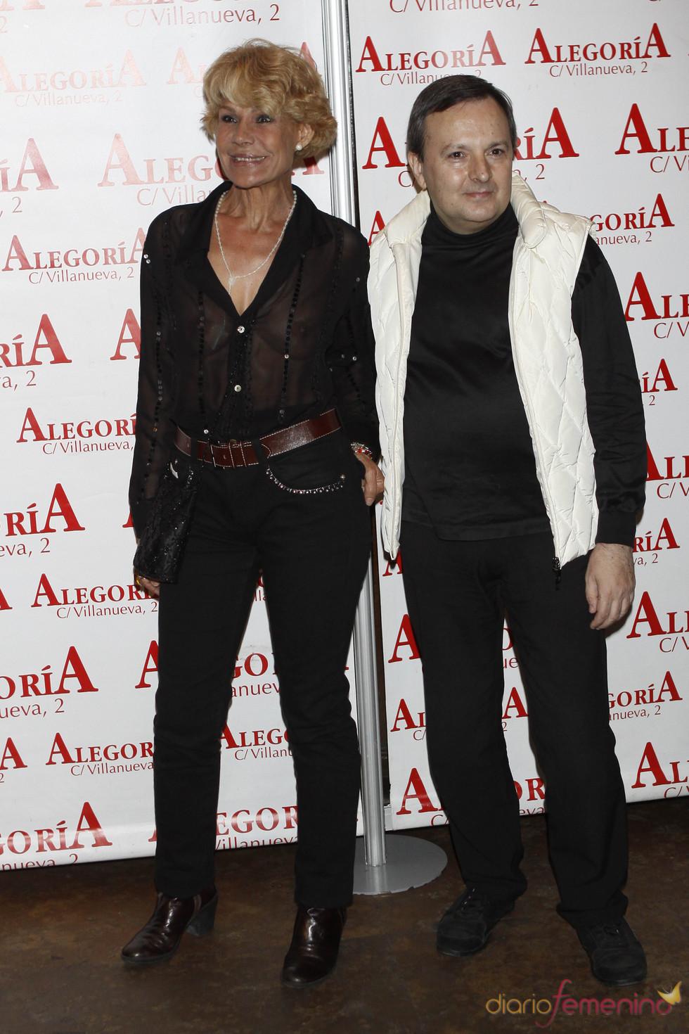 Rosa Valenty y Octavio Aceves acuden juntos a la fiesta de 'Torrente 4'