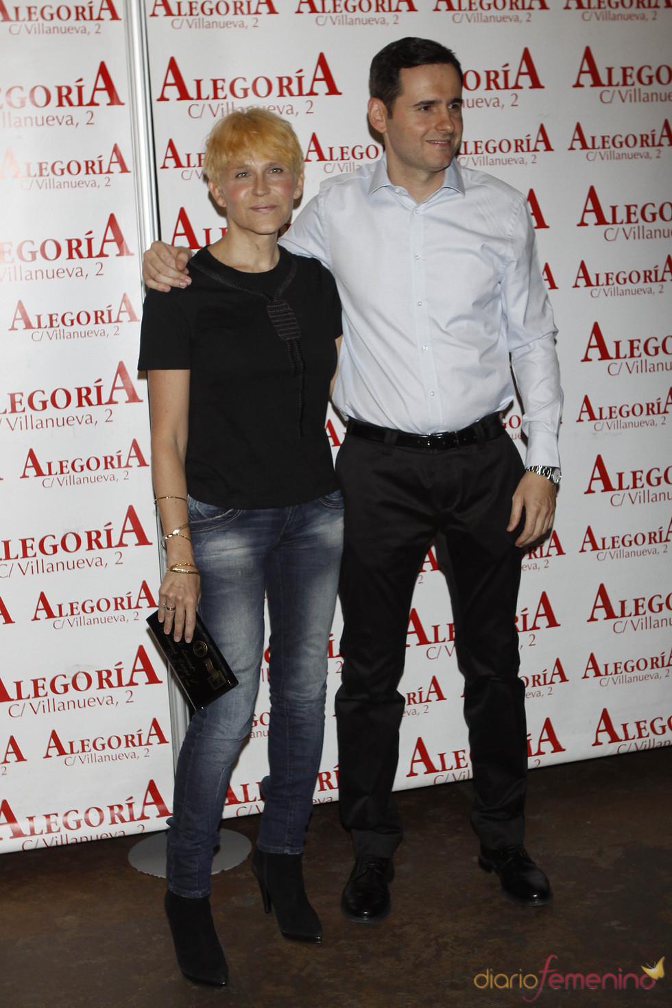La actriz Antonia San Juan muy bien acompañada en la fiesta de 'Torrente 4'