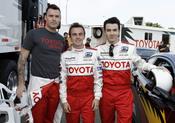 Brian Austin Green, Frankie Muniz y Kevin Jonas se convierten en pilotos