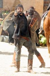 Alex García rueda la segunda temporada de 'Tierra de Lobos'
