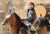 Alex García cabalga en 'Tierra de Lobos'