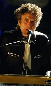 Bob Dylan actuando en el Festival de Música de Jackson