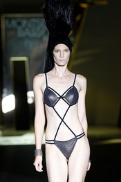 Trikini para la colección primavera-verano 2011 de Montse Bassons