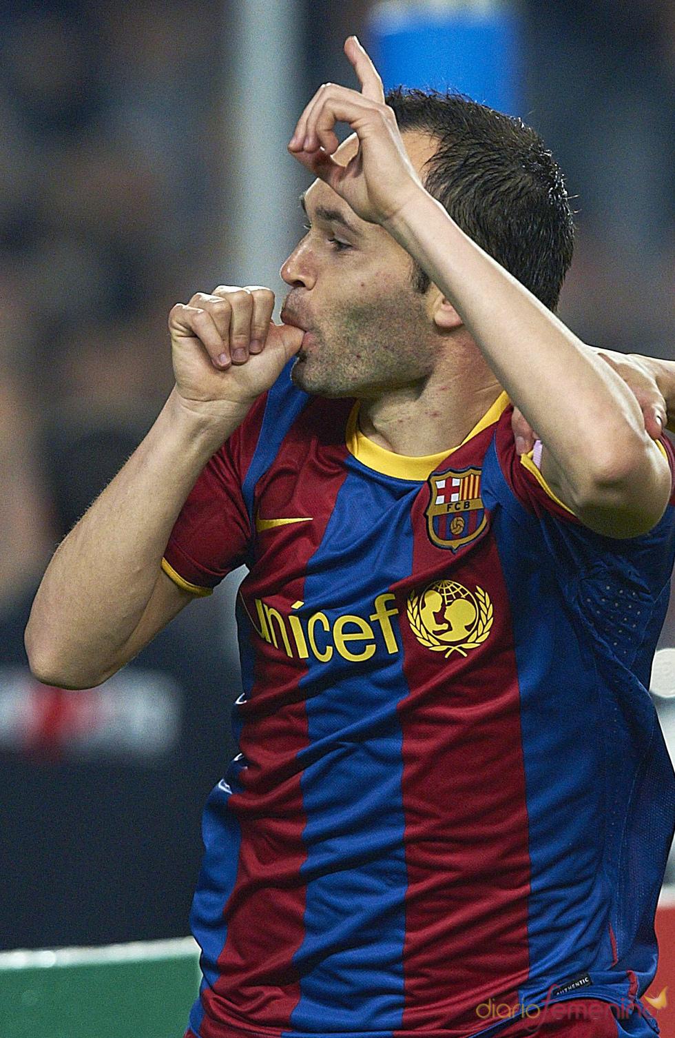 Andrés Inista dedica su gol ante el Shakhtar a su recién nacida hija