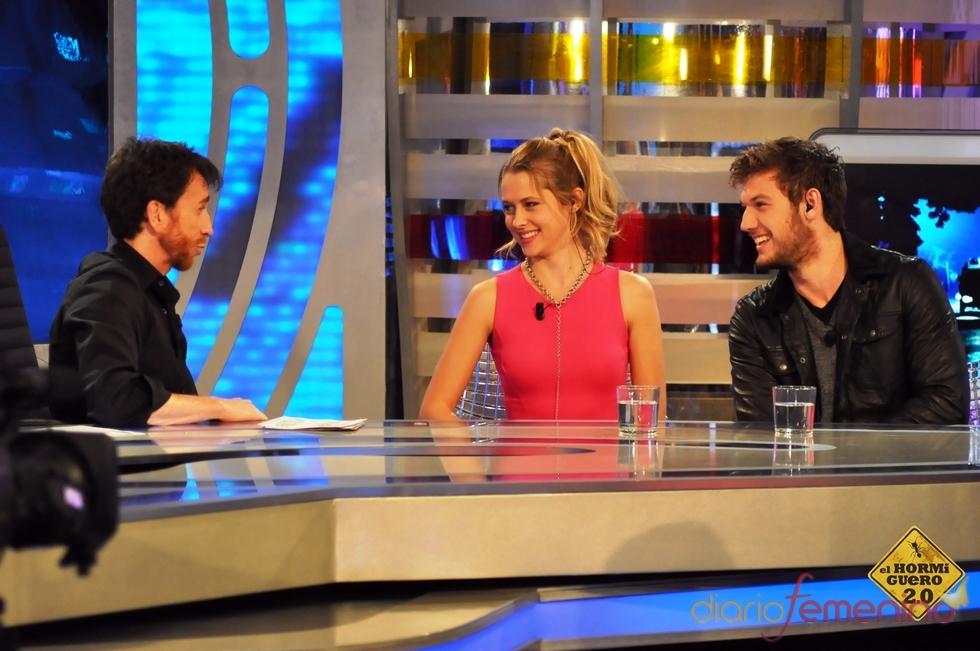 Alex Pettyfer, Teresa Palmer y Pablo Motos en 'El hormiguero'