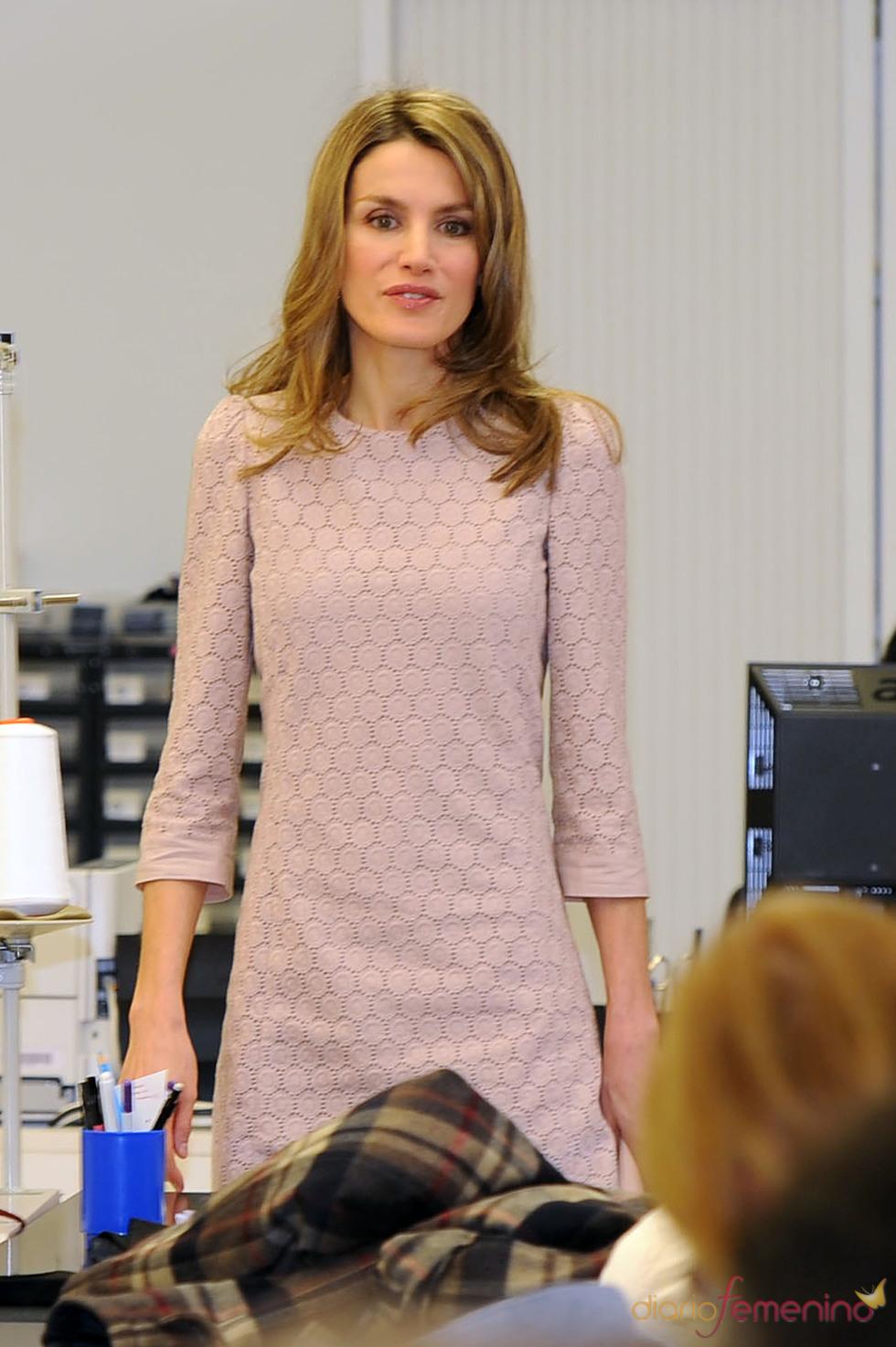 La Princesa Letizia visita las instalaciones de Mango