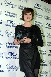 Sandra Barneda posando en los Premios Kapital 2011