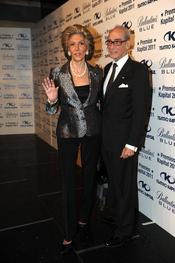 Pitita Bridruejo posa con su marido en los Premios Kapital 2011