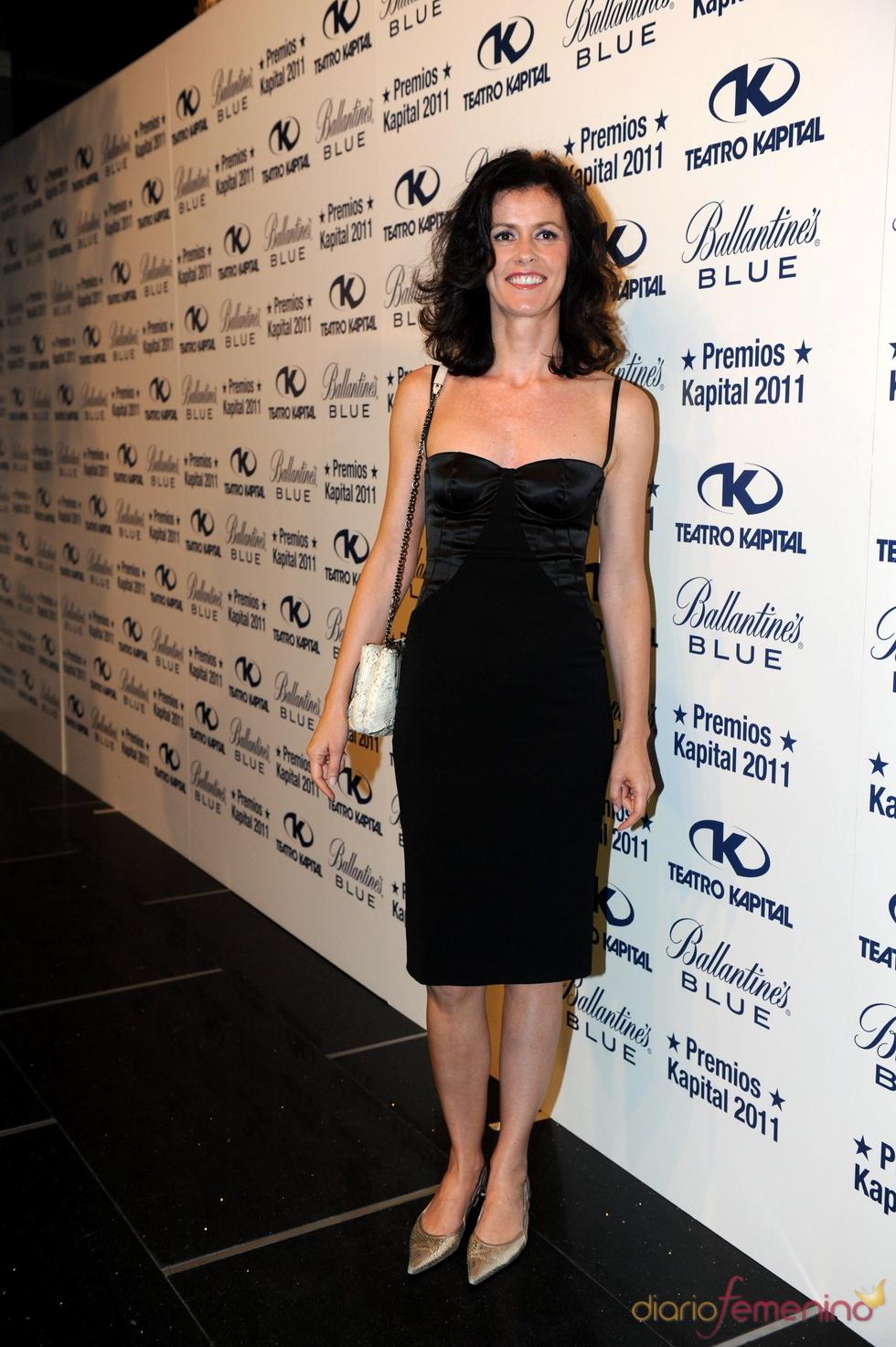 Nuria March posando en los Premios Kapital 2011