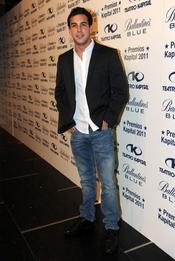 Mario Casas a su llegada a los Premios Kapital 2011