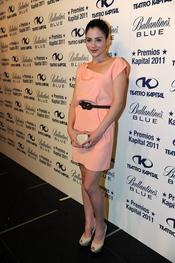 Andrea Duro posando en los Premios Kapital 2011