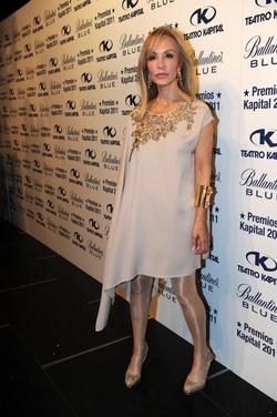 La túnica de Carmen Lomana