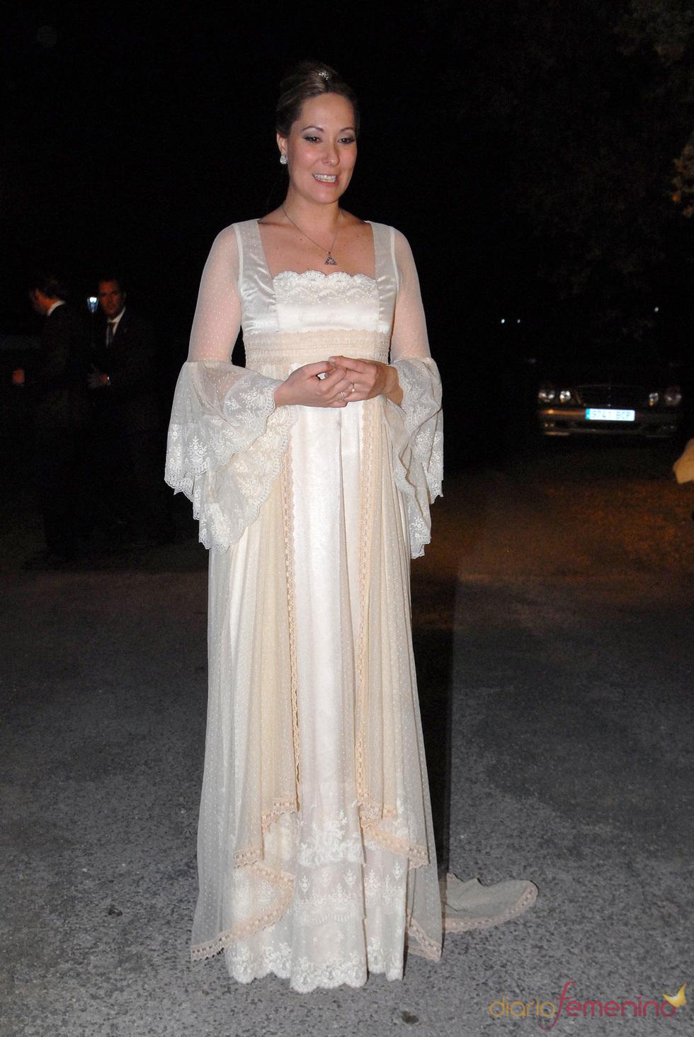 17587_chayo-mohedano-luce-un-vestido-de-aurora-gavino-el-dia-de-su-boda.jpg